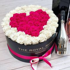Beauty isnt about having a pretty face. It is about having a pretty mind a pretty heart and most importantly a beautiful soul Flower Box Gift, Flower Boxes, Diy Flowers, Fresh Flowers, Rosen Arrangements, Flower Arrangements, Beautiful Soul, Beautiful Roses, Chocolate Fudge Frosting