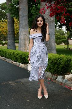 Grey floral dress // spring chic style off the shoulder