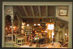 Miniaturen  Miniatures  by David Sculpher    Antique shop: width 62cm, high 43cm, depth 42cm