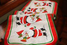 Christmas Table runner, Holiday runner, Santa Claus Runner, Holiday decor, Holiday dining, Vintage decor, Linen burlap runner 1980s, 37x12.5 by MAISONDELINGE on Etsy