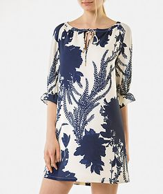 Supernatural Style | https://pinterest.com/SnatualStyle/  Vestido com estampado floral Into the Blues Mulher | LANIDOR.COM - Mobile Shop Online