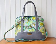 Hardware Kit: The Boronia Bowler Bag by Blue Calla Patterns – Emmaline Bags Bag Patterns To Sew, Pdf Sewing Patterns, Quilting Patterns, Handbag Patterns, Emmaline Bags, Medium Sized Bags, Thing 1, Fabric Bags, Pink Fabric