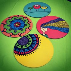 Fun CD craft ideas to recycle/upcycle old discs you don't use anymore! Dot Art Painting, Mandala Painting, Mandala Art, Cd Crafts, Recycled Crafts, Paper Crafts, Folk Art Flowers, Flower Art, Small Canvas Paintings