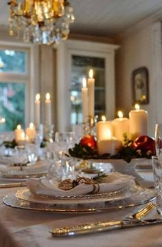Lovely and elegant Christmas table! I hope I never forget how a beautiful table arrangement blesses my own family and any that come and dine. It shows time, thoughtfulness, and a welcoming spirit! Christmas Party Table, Christmas Dining Table, Christmas Entertaining, Christmas Table Settings, Christmas Tablescapes, Christmas Decorations, Holiday Tablescape, Christmas Candles, Thanksgiving Table
