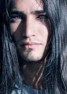 Most Handsome Native American Men Beautiful Eyes, Gorgeous Men, Pretty Eyes, Native American Actors, American Indians, Look Girl, Interesting Faces, Male Beauty, Nativity