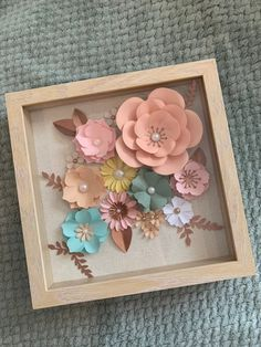 Shadow Box Frame, with a paper Flowers arrangement, each one is a unique design This frames can be use as Home Decor, Nu Flower Shadow Box, Diy Shadow Box, Shadow Box Frames, Flower Boxes, Box Frame Art, Paper Flowers Craft, Paper Flowers Wedding, Flower Crafts, Paper Crafts