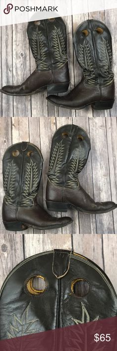 Tony Lama Cowboy Boots Vintage Caribou Brown 10 Great pair of vintage Tony Lama Cowboy Boots. Style # is 6128 and size is 10B. There is some wear to the leather and you may wish to have the shoes re-soled. Tony Lama Shoes Cowboy & Western Boots