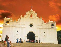 Iglesoa de Apaneca, Ahuachapán. Cortesía grupo Beautiful El Salvador.