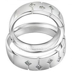 Cincin Kawin Pasbako merupakan Cincin Kawin terbuat dari perak berkualitas terbaik 925, dengan desain simple, unik nan elegan. Cincin Kawin dengan 6 buah batu Zircon Kotak dan ornamen garis di setiap sisi batu http://dodolperak.com/?p=283