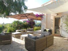 Bella casa Porticcio si affaccia sul Golfo di Ajaccio. Affascinante casa per una vacanza perfetta, in una zona tranquilla con un esotico giardino terrazzato,...