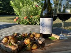 Dancing Swallows Cabernet with Pork Chops and Nectarine Relish Essex County, Boneless Pork Chops, Complete Recipe, Swallows, Balsamic Vinegar, Wineries, Wine Recipes
