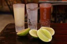 tequila con sangrita y limón