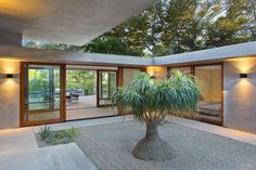 A Contemporary Redesign For This Mid-Century Modern Home In Los Angeles