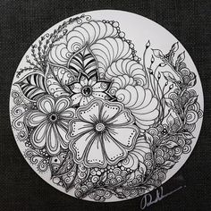 Zentangle Drawings, Doodles Zentangles, Zentangle Patterns, Tangle Doodle, Tangle Art, Doodle Art, Mandala Painting, Dot Painting, Mandala Art