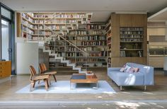 Transform your living room into a home library with modern bookcases and bespoke shelving that will make a unique feature wall out of your book collection. Futuristisches Design, Design Case, Design Ideas, Open Staircase, Staircase Design, Floating Staircase, Winding Staircase, Large Bookshelves, Bookcases
