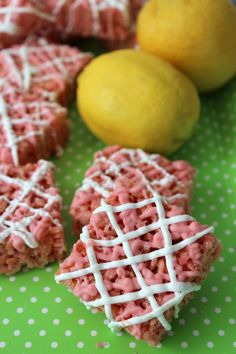 Sweet and chewy Rice Krispies with a hint of tangy lemonade flavor.
