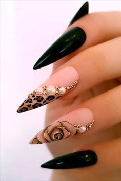 Stiletto Nails Glitter, Silver Glitter Nails, Leopard Nails, Glam Nails, Dope Nails, Rhinestone Nails, Bling Nails, Rhinestone Nail Designs, Beauty Nails