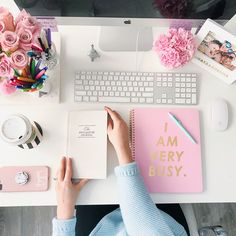 Today, we'll show you 20 inspirational home office decor ideas for 2019 you'll absolutely adore! Cute Office, Office Inspo, Bright Office, Home Office Decor, Office Desk, Ideas Para Organizar, Girly, Workspace Inspiration, E Commerce