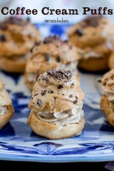 Impress your friends with these AMAZING (easy) Coffee Cream Puffs that are spiked with a shot of espresso and some chocolate covered coffee beans. Impress your friends with these AMAZING (easy) Coffee Cream Puffs that are spike Cannoli, Eclairs, Cream Puff Filling, Cream Puff Recipe, Mug Cakes, Köstliche Desserts, Delicious Desserts, Dessert Recipes, Plated Desserts