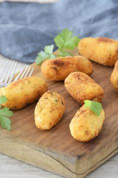 Croquetas de salmón y coco / Chez Silvia Spanish Food, Good Healthy Recipes, Canapes, Coco, Tapas, Food And Drink, Potatoes, Chicken, Tortillas