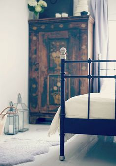 bedroom corners http://uusikuu.indiedays.com