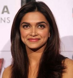 Deepika Padukone has undergone a major beauty and fashion transformation from her Om Shanti Om days to now. Before the Ranveer Singh-Deepika Padukone wedding, let's take a look at Deepika's most memorable beauty looks, since Beautiful Bollywood Actress, Most Beautiful Indian Actress, Beautiful Actresses, Bollywood Celebrities, Indian Celebrities, Bollywood Actors, Female Celebrities, Deepika Padukone Makeup, Deepika Padukone Hairstyles