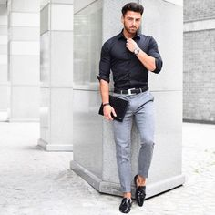 fitted men's black shirt and grey pants Fashion Mode, Fashion Night, Work Fashion, Urban Fashion, Trendy Fashion, Fashion Black, Mens Fashion Blog, Style Fashion, Mens Smart Fashion