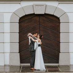 Top Wedding Trends, Photographers, Wedding Inspiration, Wedding Photography, Weddings, Ideas, Wedding Vows, Getting Married, Registry Office Wedding