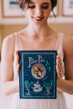 Peter Pan in Neverland wedding. Disney wedding inspiration. Photography by Shelly Anderson Photography