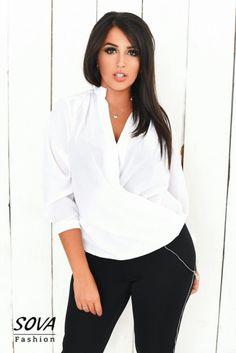Яркая женская блуза на запах с длинным рукавом белая