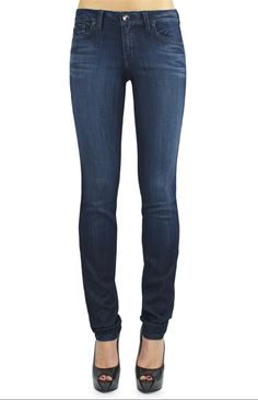 Lily Skinny Straight- Dakota Wash     http://www.level99jeans.com/product_p/ml2580dakota.htm