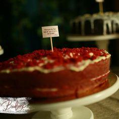 Red velvet con crema de queso para un buffet de ponqués de matrimonio!