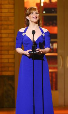 Actress Alice Ripley accepts her award for Best Performance by a Leading Actress in a Musical for 'Next to Normal' onstage during the 63rd Annual Tony Awards at Radio City Music Hall on June 7, 2009 in New York City.  (Photo by Andrew H. Walker/Getty Images) *** Local Caption *** Alice Ripley