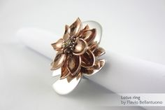 Lotus ring by Flavio Bellantuono, printed by i.materialise