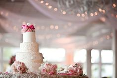 Pink and white cake by Susie's Scrumptious Sweets | Photo: Robert Rios Photography