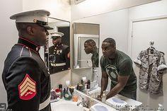 De magnifiques photos révèlent les vraies personnes derrière leurs uniformes militaires