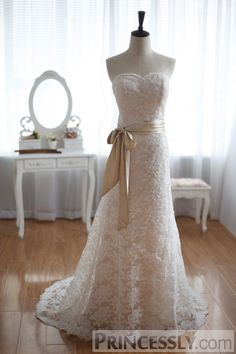 Princessly.com-K1001924-Vintage Inspired French Corded Lace Wedding Dress Champagne Lining Strapless Bridal Gown-31