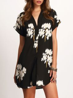 Camisea extra large cuello V floral dolpin, negro (Sheinside. 22,05€)
