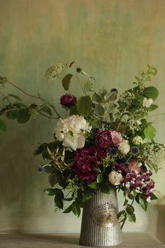 I want this eye-catching artificial flower arrangements Purple Flower Arrangements, Flower Arrangement Designs, Artificial Flower Arrangements, Flower Vases, Vase Arrangements, Deco Floral, Arte Floral, Faux Flowers, Ikebana