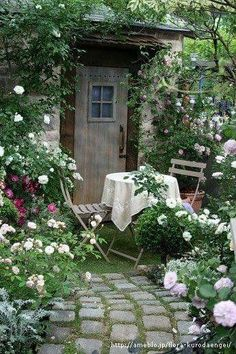 Flower Garden Landscaping Landscaping easy tip 7052633812 to try now. Garden Landscaping Landscaping easy tip 7052633812 to try now. Garden Spaces, Balcony Garden, Garden Sofa, Garden Bar, Garden Table, Small Gardens, Outdoor Gardens, Farm Gardens, Amazing Gardens