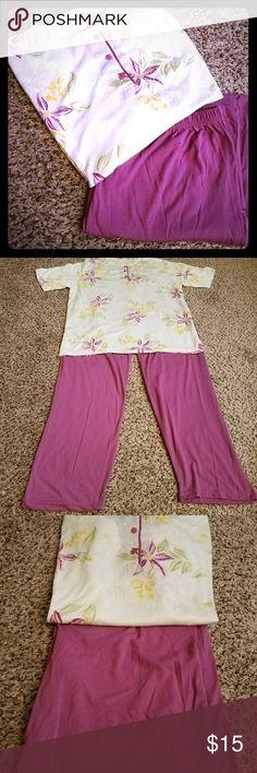 🏵🏵🏵2 PIECE SET COMFY PAJAMAS🏵🏵🏵 🏵🏵🏵SWEET 2 PIECE SET WOMEN'S SUPER COMFY PAJAMAS....BRAND NEW WITH TAGS, MADE IN TURKEY,  HIGH QUALITY....SOFT AND ROOMY....SIZE XL🏵🏵🏵 Intimates & Sleepwear Pajamas