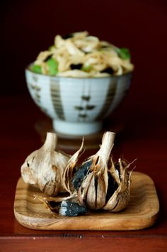 What is black garlic? It's fermented garlic from China and best black garlic recipe with noodles. This recipe for black garlic noodles is loaded with flavor Garlic Noodles Recipe, Garlic Recipes, Asian Recipes, What Is Black Garlic, Vegetarian Fish Sauce, Garlic Uses, Food Obsession, Specialty Foods, Hoisin Sauce