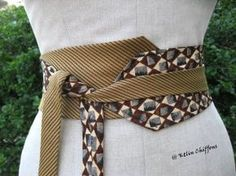 Old ties upcycled into a kimono style belt Diy Clothing, Sewing Clothes, Cinto Obi, Moda Afro, Old Ties, Tie Crafts, Obi Belt, Creation Couture, Sewing Hacks