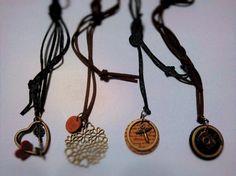 左から…ハートリング×ハート(革)×鍵               ハートフラワー×丸革(蝶)       ...|ハンドメイド、手作り、手仕事品の通販・販売・購入ならCreema。