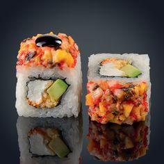 Sushi Co, Japanese Food Sushi, Sushi Night, Sushi Party, Sushi Recipes, Dessert For Dinner, Food Cravings, Food Menu, Food Presentation