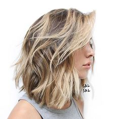 Short Haircuts for Thick Wavy Hair, We all have different types of hair. Some of us have thick hair, some of us wavy hair and some of us have strict straight hair. Short Hairstyles For Thick Hair, Haircut For Thick Hair, Bob Hairstyles, Hairstyle Short, Trendy Hairstyles, Wedding Hairstyles, Lobs For Curly Hair, Celebrity Hairstyles, Hair Cuts Thick Hair