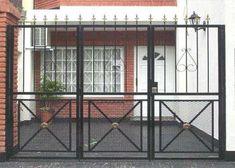 Herreria artistica y moderna Fence Gate Design, Main Gate, Wrought Iron, Metal Working, Sweet Home, Garage Doors, Exterior, House, Furniture