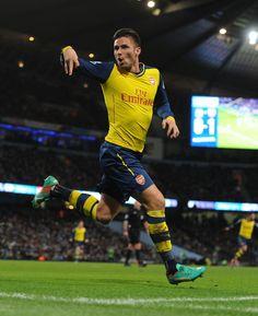 Giroud scores Arsenal's 2nd v. Man City