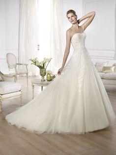 "Brautkleid Modell ""Olaya"" aus der Pronovias Brautmoden Kollektion 2014."