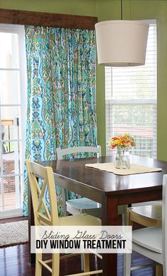 Decor Hacks : DIY Window Treatment for Sliding Glass Doors! Amy Butler Fabric turned into lined curtains and hung with curtain clips… tutorial at www.livelaughrowe… -Read More – Glass Door Coverings, Window Coverings, Window Cornices, Amy Butler, Porte Diy, Sliding Door Window Treatments, Covering Sliding Glass Doors, Curtains For Sliding Doors, Slider Door Curtains